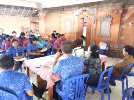 SOSIALISASI PROGRAM INDONESIA SEHAT DENGAN PENDEKATAN KELUARGA (PIS PK)